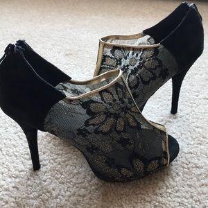 Shoes - Beautiful mesh stilettos, size 8.